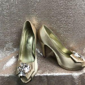 Lulu Townsend heel